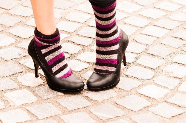 秋のパンプスコーデ2015!人気色と脱げるのを防止する方法
